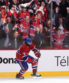 Match 3 - Subban célèbre son but. / Game 3 - Subban celebrates his goal. Montreal Canadiens, Sports Pictures, Ice Hockey, No One Loves Me, Nhl, First Love, Basketball Court, Match 3, Game 3