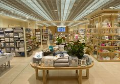 Zara home shop by zara home opened in melbourne today the interiors addict. Shop Front Design, Store Design, Fishing Shop, Hm Home, Zara Home Stores, Inspiration Design, Shop House Plans, Healthy Living Magazine, Visual Display