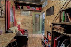 Vengan a explorar esta bella casa diminuta construida en un contenedor de envíoreciclado
