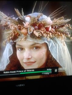 Robin Hood Prince of Thieves. I want this crown and veil for my wedding!