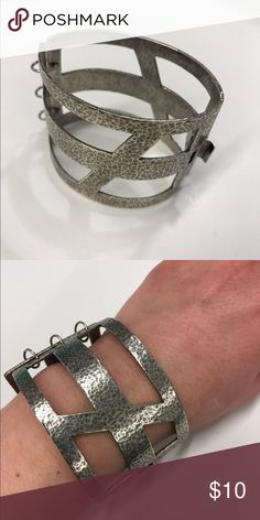 Urban Outfitters House of Harlow Metal Cuff House of Harlow Metal Cuff Bracelet 🌟 Offers accepted! 🌟 Bundles accepted! 🌟 15% off 2+ items ❌ trades ❌ PayPal Urban Outfitters Jewelry Bracelets