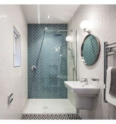 Small bathroom tiles - light tiles will make your bathroom look bigger - Badgestaltung mit Fliesen - Badezimmer Small Bathroom Tiles, Bathroom Wall, Bathroom Interior, Quirky Bathroom, Small Bathrooms, Bathroom Designs, Bathroom Cabinets, White Bathrooms, Shower Bathroom