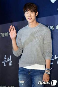"""[20150706] Yoo Yeon Seok attends the VIP Premiere of the movie """"The Guest"""""""