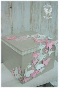 """Urne de mariage, baptême thème """"Envolée de papillons"""" : Boîtes, coffrets par reves-de-lutines"""