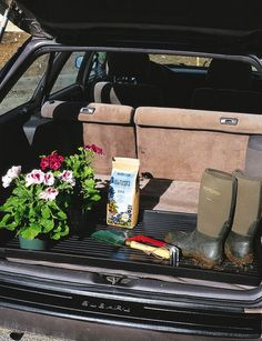 Oversized boot tray made of tough recycled plastic holds boots or shoes for the whole family. Makes a great car trunk liner, too. Garden Supplies, Garden Tools, Garden Ideas, Shoe Tray, Litter Box, Car Cleaning, Raised Garden Beds, Outdoor Gardens, Recycling