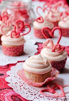 Buttermilk cupcakes w/creamy cherry frosting