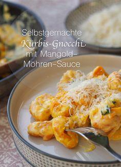 Ganz schön gelb hier ... Selbstgemachte Kürbis-Gnocchi mit Mangold-Möhren-Sauce | Rezept auf: www.sarahs-greenfield.blogspot.com