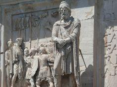 DACES DU FORUM DE TRAJAN / 100PC/ daces=roumains prisonniers sous Trajan qui a conquis la Dacie (=Roumanie)  pour les mines d'or/ portent une barbe, un pantalon, cheveux hirsutes -> barbares/ une quinzaine de copies semblables se trouvent sur le forum et sont en marbres de couleurs différentes/ on peut voir des traces de points de mesures/ pas tous terminés