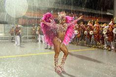Gracyanne Barbosa x Fabi Frota - Quem é a verdadeira sarada do Carnaval? - Fotos - R7 Carnaval 2014