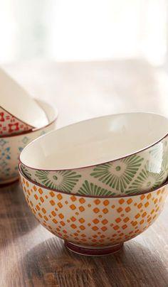 4 tlg. Schalen-Set in verschiedenen Mustern und Farben aus Keramik