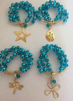Trio de pulseras en azul