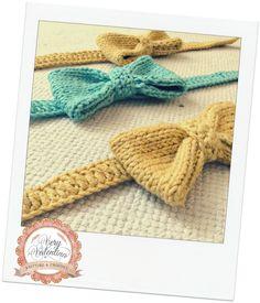 Crochet Handmade with love Bow tie for baby toddler. Uncinetto farfallino Papillon bimbo.