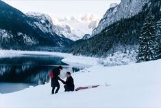 Snow Proposal at Gosausee closed to Hallstatt.