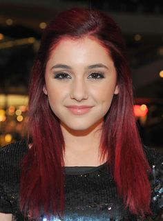 Ariana Grande Red Half Up Half Down Hairstyle for Long Straight Hair I love her hair color. Ariana Grande Red Hair, Ariana Grande Ponytail, Ariana Grande Fotos, Down Hairstyles, Trendy Hairstyles, Straight Hairstyles, Hairdos, Hot Hair Colors, Red Hair Color