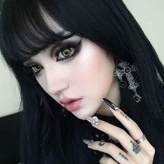 Kina Shen again gothic and beautiful! Goth Beauty, Dark Beauty, Punk Fashion, Gothic Fashion, Steam Punk, Makeup Gothic, Kina Shen, Chica Dark, Goth Model