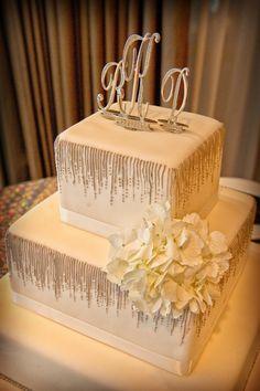 White & Silver Wedding Cake with Art Deco Details {Jeff Kolodny Photography} - mazelmoments.com