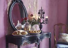 Roze in de woonkamer door leoeulink.nl