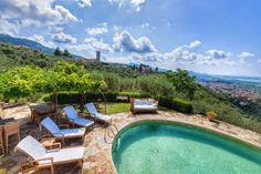 Everybody deserves a panorama like this, every morning. Lucca - Tuscany #luxury #villa #tuscany #italy #villasforrent