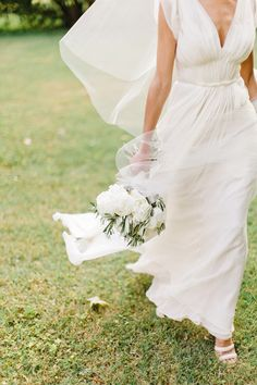 Provence wedding by Xavier Navarro j.mendal gown