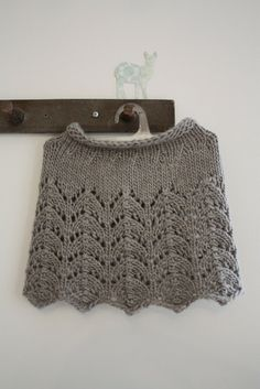 Vinksallaan: Pitsinen- kaulurin ohje BLOG with PATTERN and SYMBOL CHART, also FREE on RAVELRY