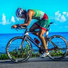El mayor espectáculo del mundo del triatlón regresa en un mes. Las World Triathlon Series comenzarán el 2 y 3 de marzo en Abu Dhabi, y el calendario de 2018 en el Campeonato del Mundo incluye ocho apasionantes citas de marzo a septiembre:   #triatlon Abu Dhabi, Buy And Sell, September, Calendar, Qoutes