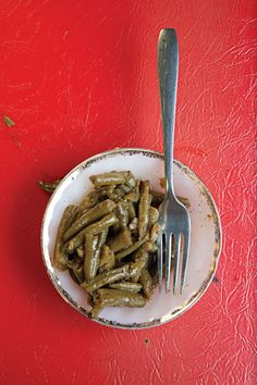 Infused with the meaty flavor of a smoked turkey leg, these super-tender green beans are a favorite side dish at Martha Lou's Kitchen. See Recipe For Stewed Green Beans Vegetable Sides, Vegetable Side Dishes, Vegetable Recipes, Green Beans, Smoked Turkey Legs, Green Bean Recipes, Southern Recipes, Southern Food