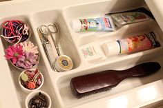 Bathroom drawer organization. Totally did this, it's a silverware tray from the Dollar Store!
