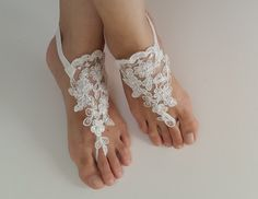 Beaded ivory lace wedding sandals, free shipping! by DreamAndReality on Etsy