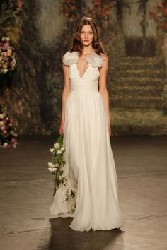 Jenny Packham 2016 Bridal Collection Jenny Packham http://www.hochzeitswahn.de/hochzeitstrends/brautkleider/inspirationssonntag-jenny-packham-2016-bridal-collection/ #weddingdress #fashion #dress