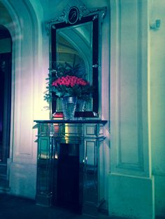 Maison Baccarat - beautiful crystal and Christmas flower arrangements :-)