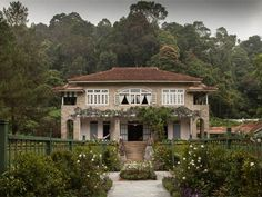 Indian Summers - Pictures - The Locations of Indian Summers - Channel 4... This house !!! and by night with all the lights, it's amazing