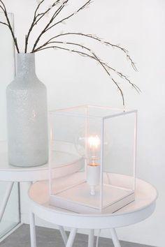 Vase Design, Tapis Design, Parasol, Decoration, Glass Of Milk, The Hamptons, Youtube, Candle Holders, Shabby Chic