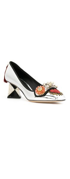 DOLCE & GABBANA Jackie pumps, explore the latest arrivals on Farfetch.