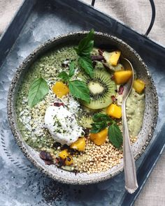 Green smoothie bowl with matcha chia pudding - and all the toppings you could ask for!