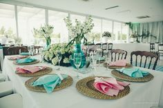 Decoração de casamento nas paletas de cores rosa e azul turquesa: viva essa alegria de cores!