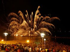 Every year from 20th to 29th June, smells of delicious food and sounds of music, dancing and laughter fill the air when Alicante celebrates Hogueras de San Juan, a popular Spanish festival.