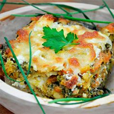 Lentils and Veggies Gratin. Lentils and Veggies Gratin - Easy healthy and delicious! Veggie Recipes, Vegetarian Recipes, Cooking Recipes, Healthy Recipes, Vegetarian Casserole, Easy Recipes, Cooking Tv, Healthy Food, Vegetarian Dish