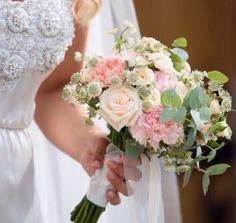 Bridal bouquet Swedish July wedding