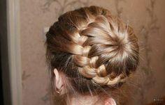 21 Braided Hair Tutorials   Gorgeous Hairstyles To Try by Makeup Tutorials at http://makeuptutorials.com/braided-hair-tutorials/