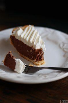 """Olás, tudo bem? O nome dessa torta, Silk Pie ou French Silk Pie [""""Torta Seda"""", traduzindo para o português], se refere à text..."""