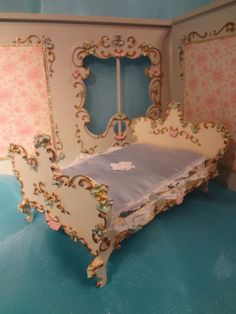 Spielwaren Bed; German; Doll House; Miniature