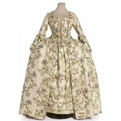 Costume Dramas and Period Clothing ❤ liked on Polyvore featuring costumes, dresses, medieval, historical, long dress, medieval gown and vers