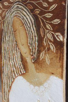 pramínky vlasů druhá z mých madon,,,,,,,,oslava ženství,,další budou také vznikat, zraje ve mně už dlouho toto tema,,,,pokora, ženství,spiritualita, něha...děkuji......... kachel velikosti cca 40x60 cm...................................TAHLE UŽ JE PRODANÁ, JEN PODOBNÁ PRO VÁS MŮŽE VZNIKNOUT může být v bytě, ale i celoročně venku, materiál je mrazuvzdorný, čili i ... Sculpture Clay, Ceramic Sculpture, Sculptures, Ceramic Mask, Clay Wall Art, Ceramic Figures, Mosiac Art, Folk Art Painting, Altered Canvas