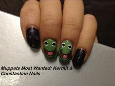 Muppets Most Wanted: Kermit & Constantine Nails!