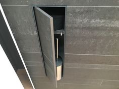 #looox T-Box toiletborstel inbouw Diy Storage Design, Clever Design, Bathroom Tile Designs, Bathroom Inspiration, Small Bathroom, Door Handles, House Design, Drywall, Campervan