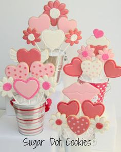 Sugar Dot Cookies: Valentine Cookie Bouquets