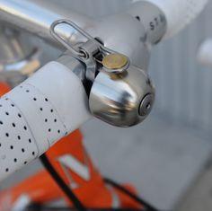 KONEČNE POCTIVÝ CYKLOZVONČEK   Zvonček na bicykel SPURCYCLE Smart Design, Bicycle, Accessories, Intelligent Design, Bike, Bicycle Kick, Bicycles, Jewelry Accessories