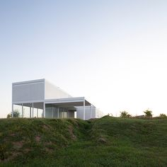 Torrado Arquitectos - Lake Escobar marine club headquarters, Puertos 2016. Photos © Javier Agustín Rojas.