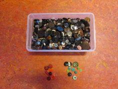 verzameldoos knopen: vergelijken, ordenen, tellen, etc. Nutsschool Maastricht