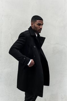 Men in black rule! Men In Black, Black Men In Suits, Black Men Styles, Black Guys, Long Black, Mode Masculine, Sharp Dressed Man, Well Dressed Men, Fashion Moda